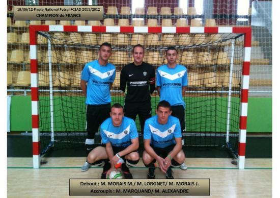 equipe-championne-fcsad-futsal-2011-2012-19-06-12 à Vannes.jpg